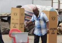 Nana Akufo-Addo casting his vote