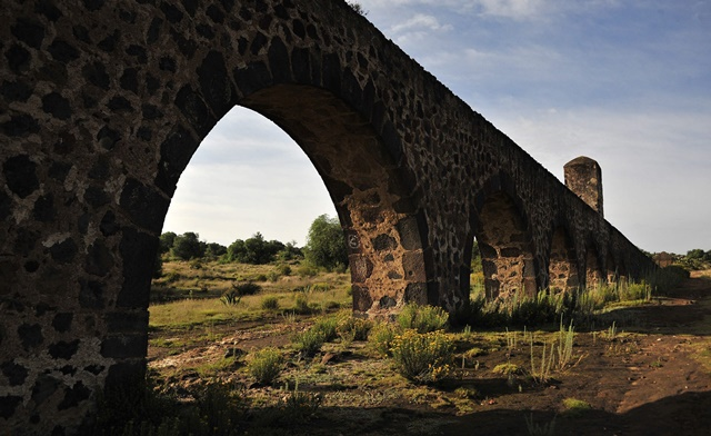 The Padre Tembleque aqueduct, located between the Mexican states of Mexico and Hidalgo, in this July 2, 2015 file photo. The Padre Tembleque Aqueduct was declared as a UNESCO World Heritage site on Sunday, July 5, 2015.  (Xinhua/INAH/NOTIMEX)
