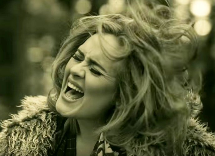 adele-s-hello-debuts-at-no-1-on-billboard-hot-100-with-1-million-downloads
