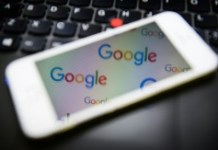 AFP/File / Leon Neal Oracle sought billions in damages from Google over the search engine company's use of Java programming language in its Android smartphone operating system