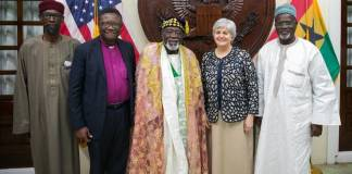 Ambassador Sullivan in a picture with some dignitaries at the Iftar. Left to Right: Sheikh Aremeyaw Shaibu, Most Rev. Professor Emmanuel Asante, Chief Abdul Qadir Tahir, U.S. Ambassador Sullivan, and the Ameer of the Ahmadiyya Muslim Mission Maulvi Alhaji Mohammed Bin Salih.