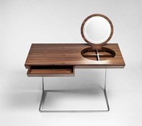 Wooden dressing tables with mirror by Olgoj Chorchoj studio