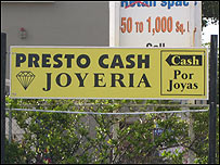 En Miami, el spanglish es extremadamente popular en la publicidad.