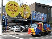 Skol billboard on Avenida Juscelino Kubitschek, Sao Paulo