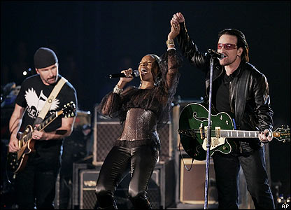 U2 and Mary J Blige at the Grammy Awards
