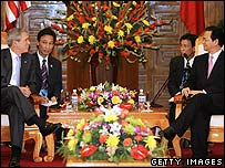 President Bush in Vietnam with the Vietnamese Prime Minister