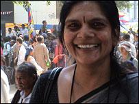 Chetna Gala Sinha es la presidenta y fundadora del banco.