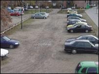 Un simple estacionamiento se encuentra all� donde muchos turistas querr�an un museo.