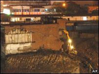 La demolición se llevó a cabo al abrigo de la noche.