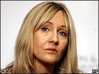 JK Rowling concluyó en enero su último libro de Potter.