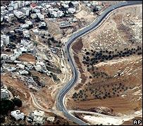 West Bank barrier running through East Jerusalem