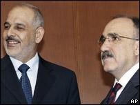 Turkish Interior Minister Besir Atalay, right, and his Iraqi counterpart Jawad al-Bolani