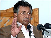 Pakistan President Pervez Musharraf (file photo)