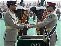 Pervez Musharraf (right) hands over command to Gen Ashfaq Pervez Kayani
