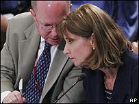 Los negociadores estadounidenses, Paula Dobriansky y James Connaughton