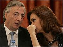 Néstor Kirchner y su esposa, la actual mandataria, Cristina Fernández