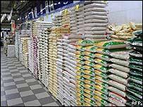 Sacos de arroz en bodegas