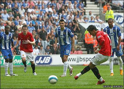 Cristiano Ronaldo slots home from the penalty spot