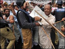 Bạo động tại Pakistan