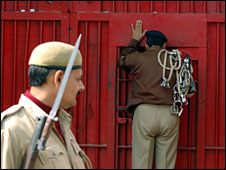 Police outside India prison