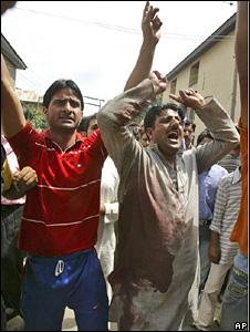 Protesters defying curfew in Srinagar on August 12 2008