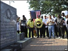 A memorial service in New Orleans for victims of Hurricane Katrina (29/08/2008)