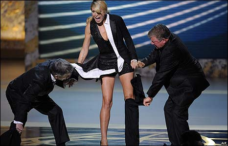 Model Heidi Klum had a pre-planned wardrobe malfunction at the beginning of the evening thanks to co-host Tom Bergeron and Boston Legal star William Shatner.