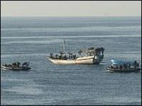 RN Dingies capture pirates