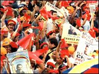 Partidarios de Chávez en campaña electoral