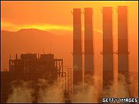 Estación generadora de electricidad en California, EE.UU.