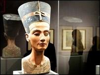 El busto se exhibe en el Museo Egipcio de Berlín, la capital alemana