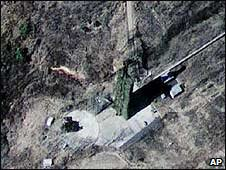 Satellite image of the North Korean launch pad at the Musudan-ri base in Hwadae  (11/03/2009)