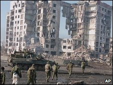 Russian forces in Grozny, Chechnya, 2000