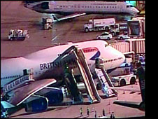 BA288 on tarmac at Phoenix Sky Harbor International Airport, 10 July 2009
