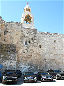 Fatah cars in front of church of nativity (03.07.09)