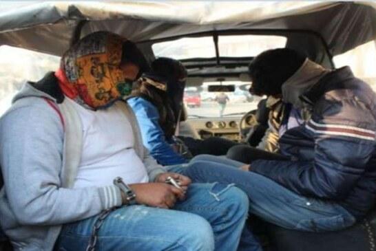 पुलिस ने नशीले पदार्थ के एक कारोबारी के अलावा दो पत्थरबाजों को भी गिरफतार करने का दावा किया है।