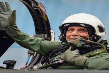 दशहरे पर राफेल लेने फ्रांस जाएंगे रक्षा मंत्री राजनाथ, लड़ाकू विमान में उड़ान भी भरेंगे
