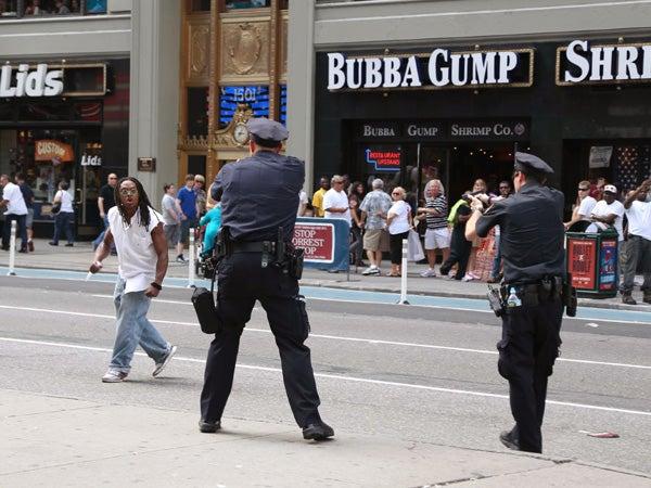 Tourists film New York <b>police</b> <b>shooting</b>
