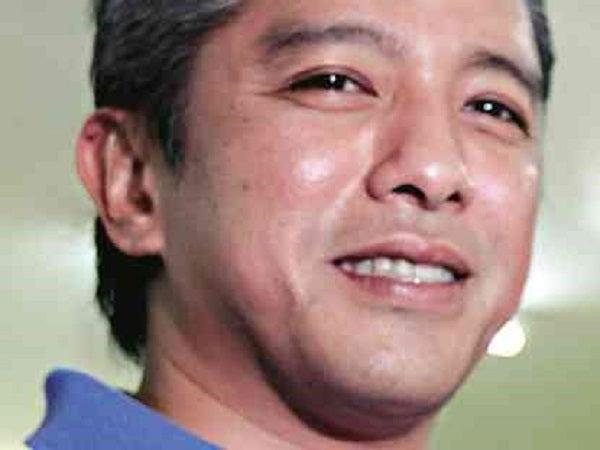 MMDA bus scheme divides Cavite pols  Inquirer News