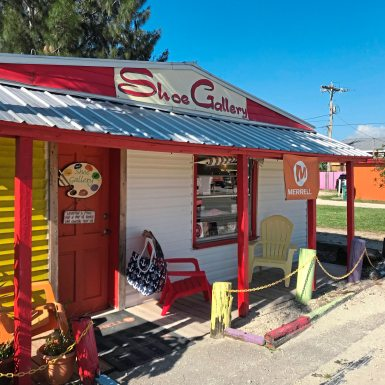 A former fisherman's home in Matlacha Florida is now a shoe shop. (Patricia Sheridan/Post-Gazette)