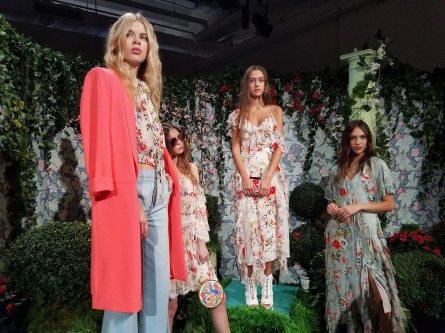 alice-+-olivia-spring-2018-at-New-York-Fashion-Week