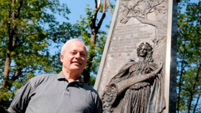 Christopher Magee at the Pittsburgh memorial.