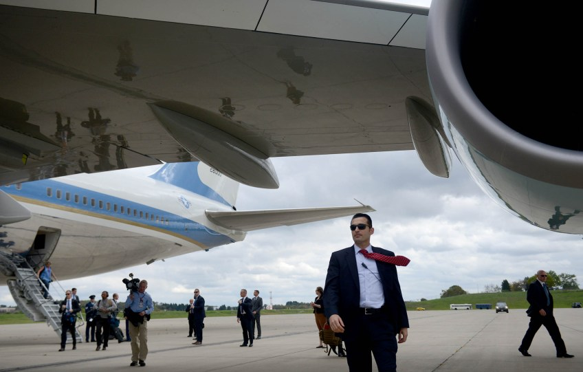 Passengers depart Air Force One after it landed carrying President Barack Obama at the 171st Air Refueling Wing in Coraopolis. (Photo by Michael Henninger/Post-Gazette)