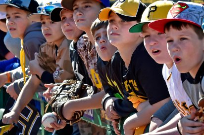 Children watch batting practice as the Pirates prepare to take on the Braves Saturday, April 8, 2017, at PNC Park. (Matt Freed/Post-Gazette)