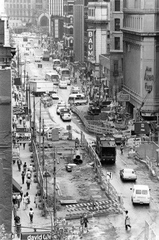Subway dig on Liberty Avenue, June 20, 1982 (Pittsburgh Press photo)
