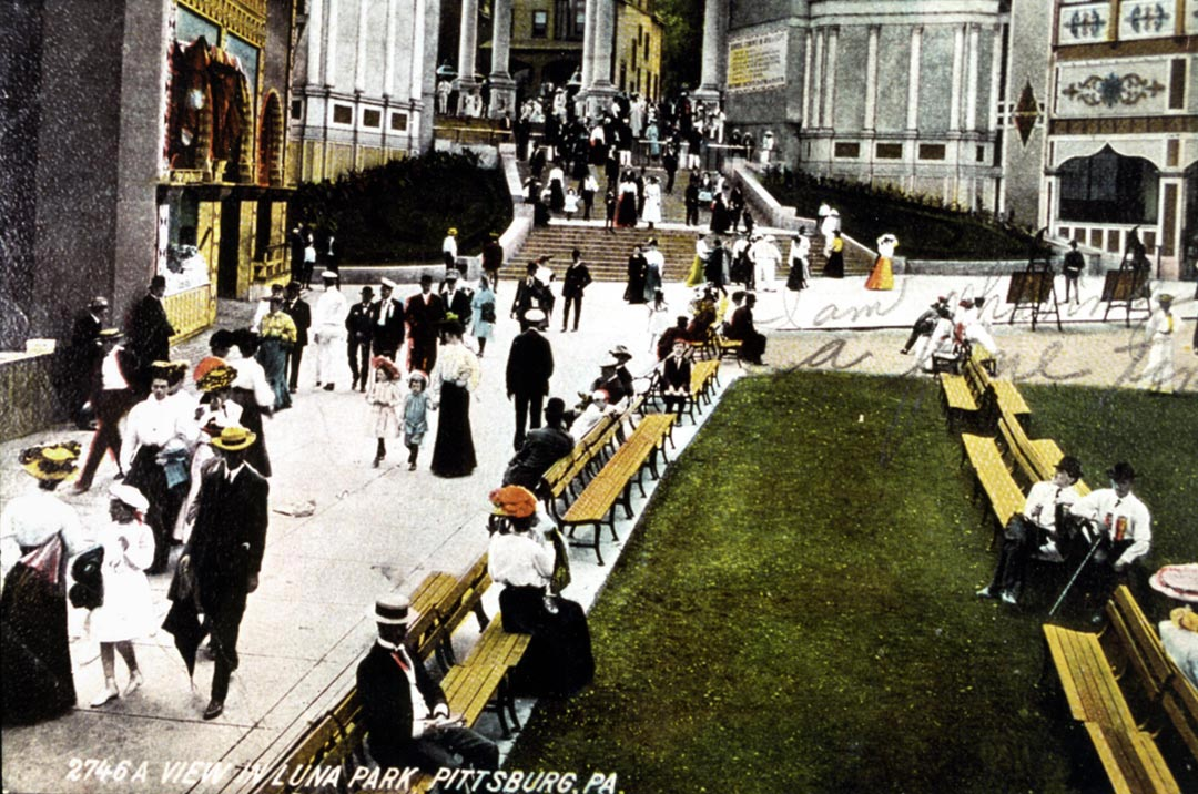 Postcard view of Luna Park. (Photo credit: Unknown)