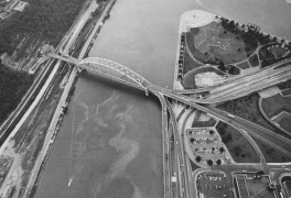 Aug. 9, 1972: The edge of Downtown Pittsburgh and Point State Park. (Dale Gleason/Pittsburgh Press)