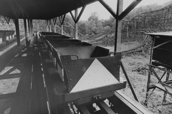October 1977: An empty wooden roller coaster, shortly after the park closed. (Credit: Marlene Karas/The Pittsburgh Press)