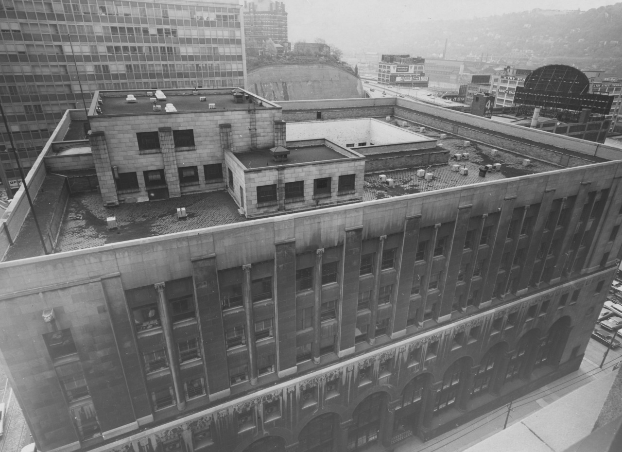 July 1965: A view of the Allegheny County Office Building looking east toward Duquesne University, the Monongahela River and Boulevard of the Allies. (The Pittsburgh Press)