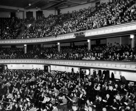 Symphony concert crowd during World War II. (The Pittsburgh Press)